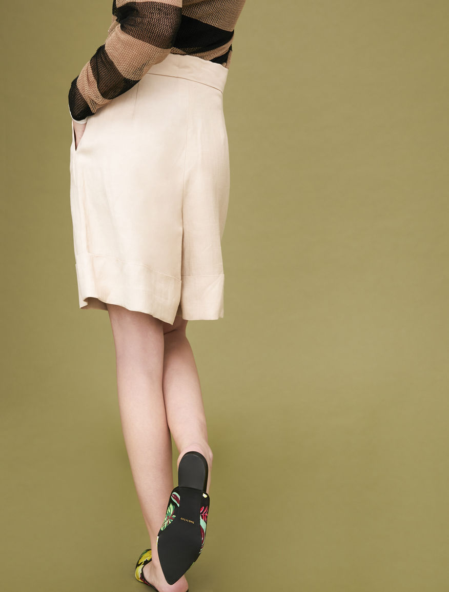 Shorts ampi