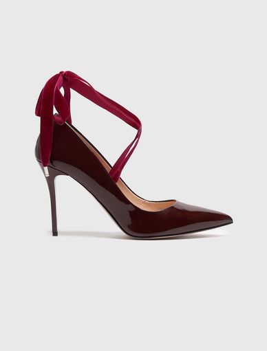 Zapato salón de charol Marella