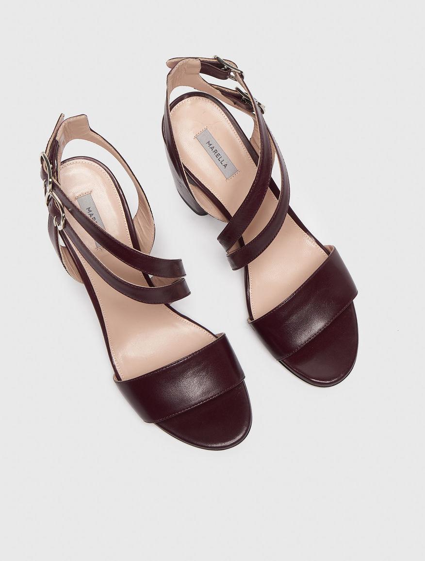 Sandalia de piel Marella
