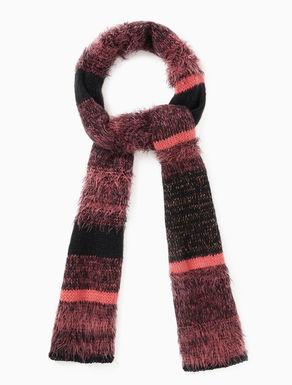 Mixed strand knit scarf