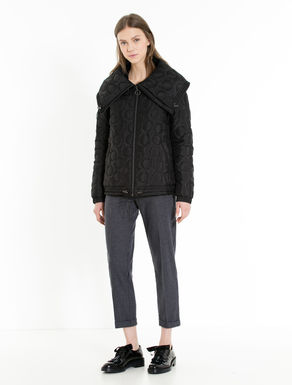 Padded jacket with polka-dot stitching