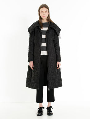 Padded coat with polka-dot stitching