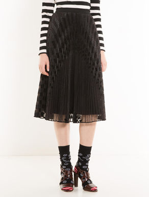 Pleated skirt in embroidered tulle
