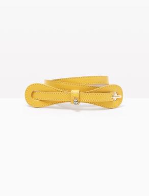 Cinturón de piel con lazo
