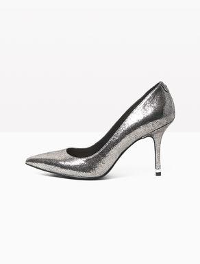 Zapatos de salón en punta