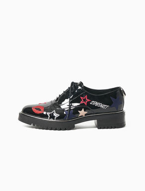 Patent embroidered Oxford shoes