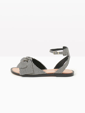 Flat fabric sandals with bow