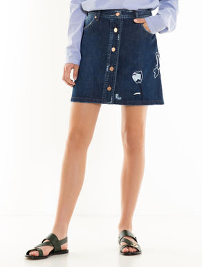 Falda de denim con bordados
