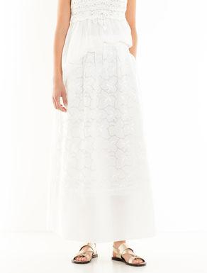 イギリス刺繍のモスリンスカート