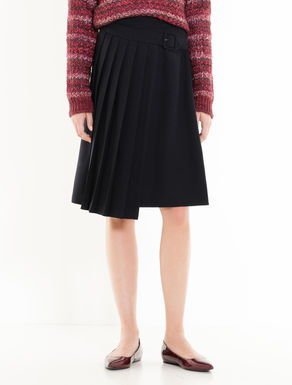 Skirt with asymmetrical pleats