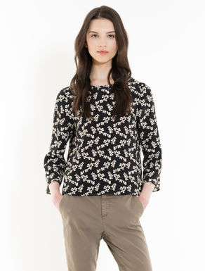 Blouse in floral crêpe fabric