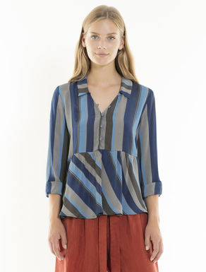 Striped fluid blouse with flounce