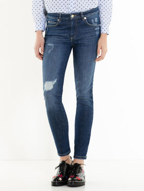 Skinny-fit jeans with rip