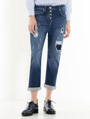 Schwarze Boyfriend-Jeans mit Rissen