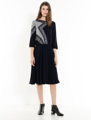 Kleid mit passendem Pullover