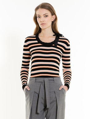 Frilled jumper with bow