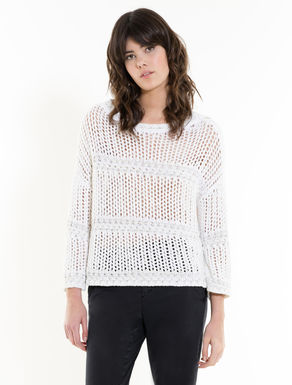 Pull en maille filet fantaisie