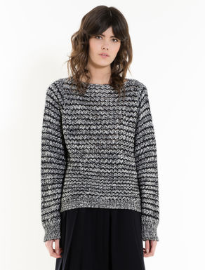 Jumper with yarn mix