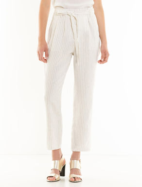 Carrot-fit trousers in linen