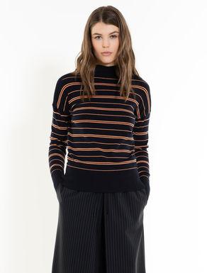 ファネルカラー・セーター