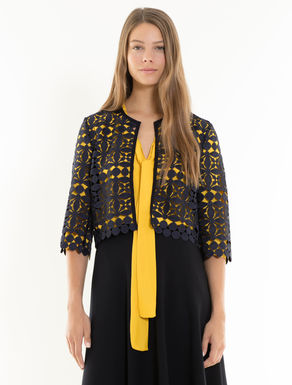 Boxy jacket in geometric macramé