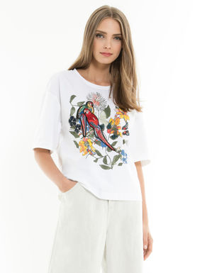 Printed T-shirt with embroidery