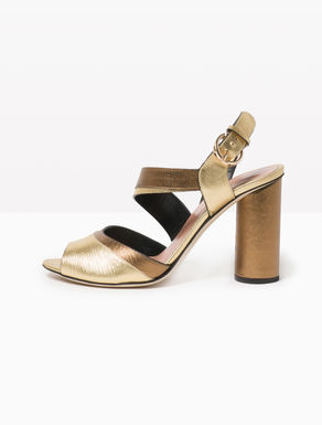 Two-tone laminated leather sandals