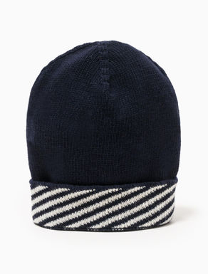 Beanie with jacquard edging