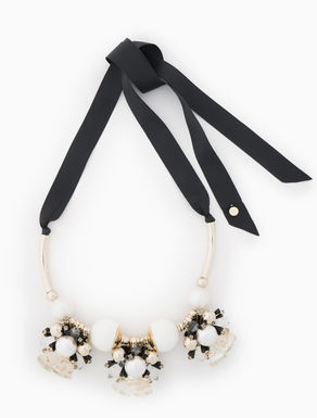 Plastron necklace with clusters