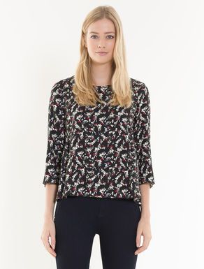 Blouse in printed sablé fabric