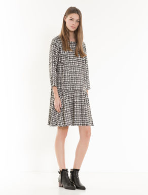 Flounced sablé dress
