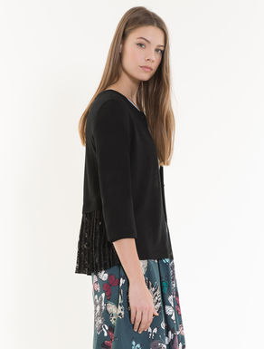 Cardigan with lace flounce
