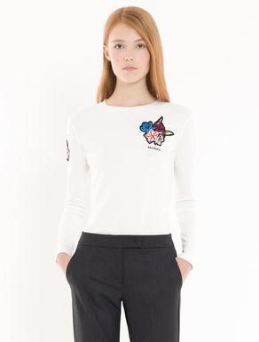 Camiseta de algodón con aplicaciones