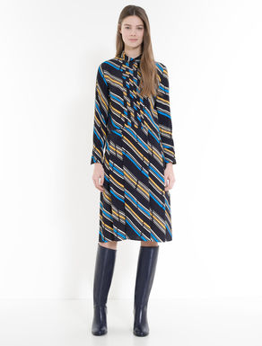 Dress in printed crêpe fabric