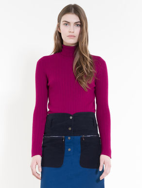 Turtleneck with ribbed pattern
