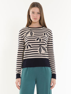 Cashmere jumper with stripes
