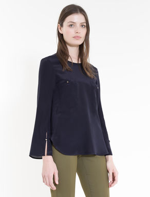 Silk and jersey blouse with pockets