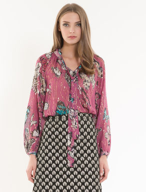 Blouse in printed silk lamé