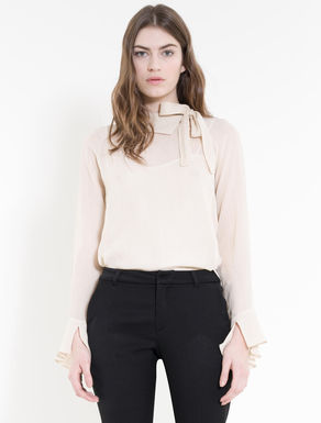 Lamé crêpe blouse with bow