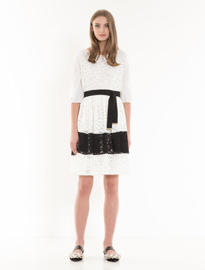 Colour-block lace corolla dress