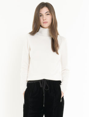 High neck cashmere jumper