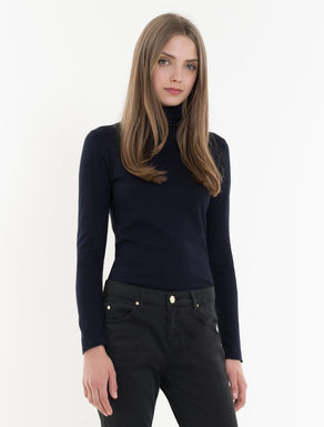 Stretch viscose turtleneck sweater
