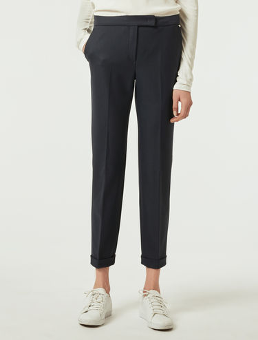 Slim trousers in stretch fabric