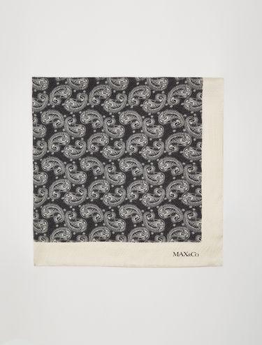Foulard en soie imprimée