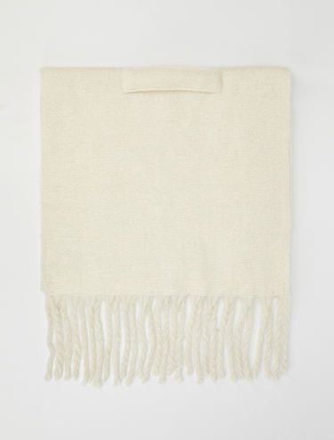 Scarf with maxi fringe