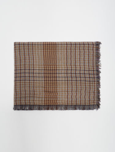 Double-sided patterned scarf