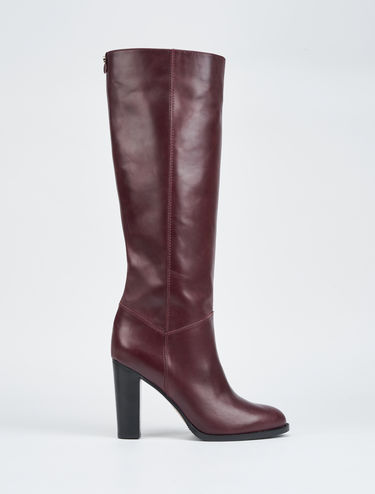 High heeled leather boots