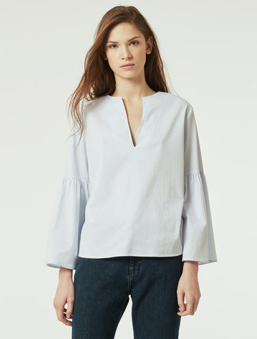 Blouse with corolla sleeves