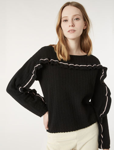 Ribbed sweater with ruching