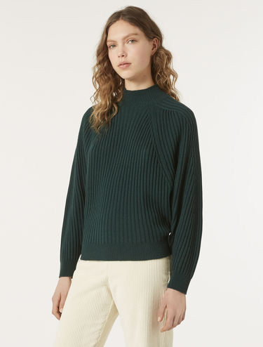 Diamond-shape ribbed sweater